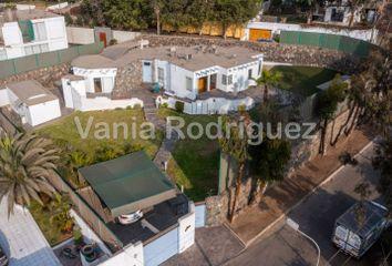 Casa en venta Calle Honolulú 250, La Molina, Perú