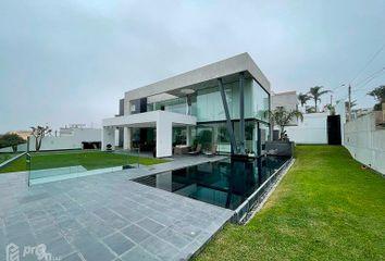 Casa en venta Av. Ricardo Elías Aparicio 715, La Molina 15026, Perú