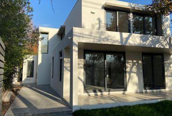 Casa en venta Los Dragones 10000, Vitacura, Santiago, Metropolitana De Santiago, Chile